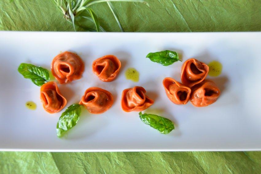 Cappelletti rosso pomodoro Cattivelli isola serafini